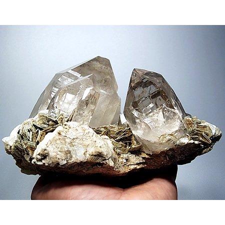 タプレジュン産モスコバイトクォーツクラスター<br>Quartz Muscovite cluster from Taplejung (1.8kg)
