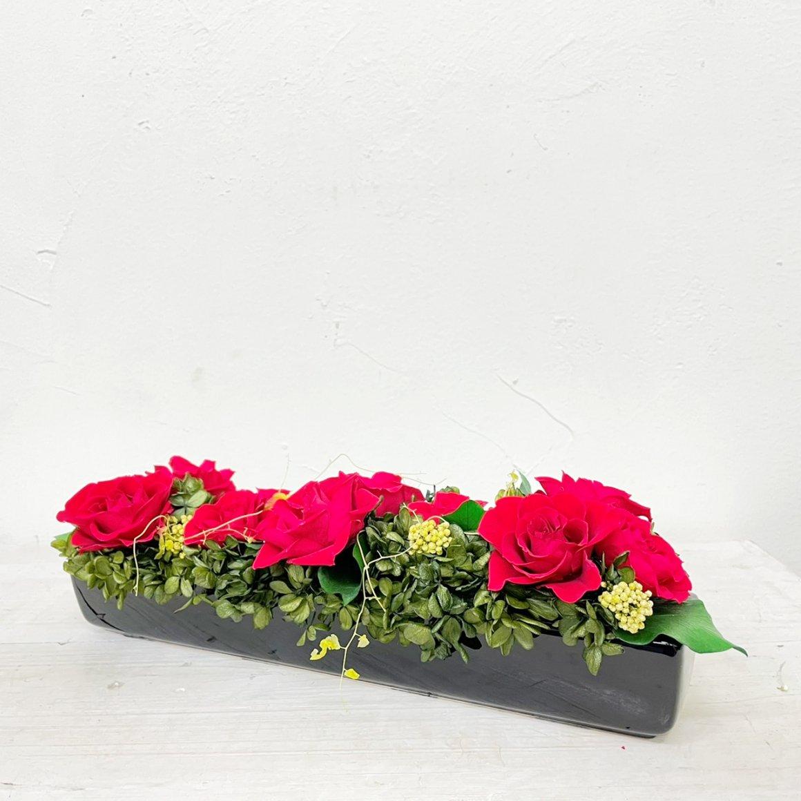赤いプリザーブドフラワー テーブルフラワーアレンジメント ノーク(レッド) ※ギフトタイプ3