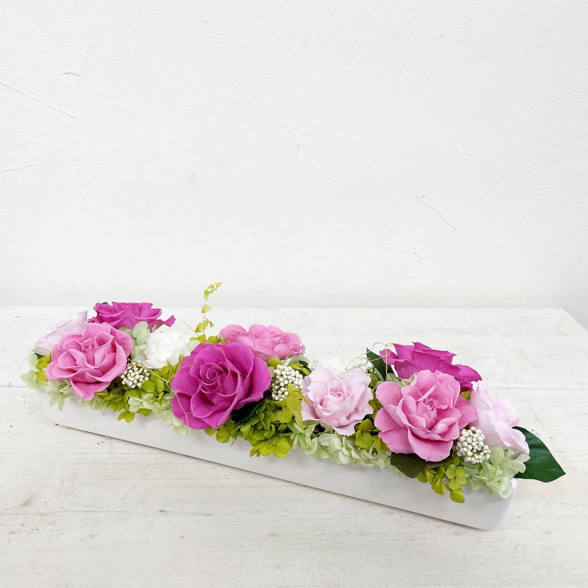 ピンクのプリザーブドフラワー テーブルフラワーアレンジメント ノーク(ピンク) ※ギフトタイプ3