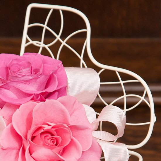 ピンクのバラのプリザーブドフラワー  ピアノアレンジ  (ピンク) ※ギフトタイプ3