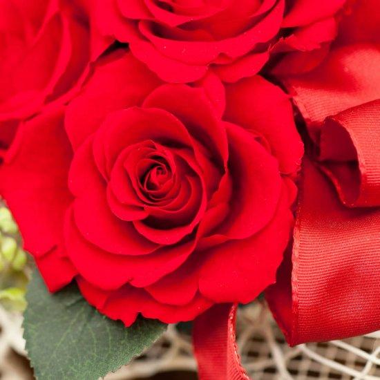 赤のバラのプリザーブドフラワー ピアノアレンジ (レッド) ※ギフトタイプ3