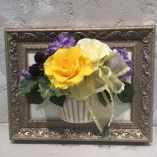 花絵 黄色と白いバラの壁掛けアレンジ