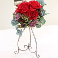 プリザーブドフラワー 深紅のバラとベリーのラウンドアレンジメント