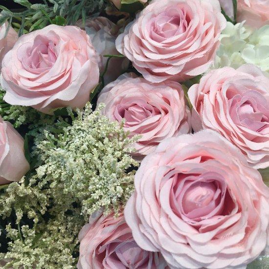 ブック型 清楚なピンクのバラのアレンジメント