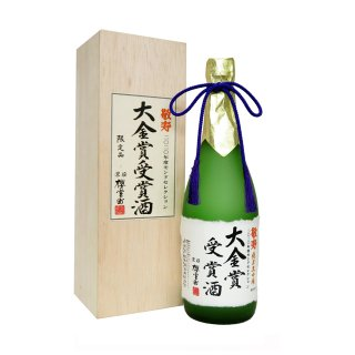 <img class='new_mark_img1' src='https://img.shop-pro.jp/img/new/icons15.gif' style='border:none;display:inline;margin:0px;padding:0px;width:auto;' />櫻室町 敬寿 純米大吟醸大金賞受賞酒 720ml(敬老の日限定)
