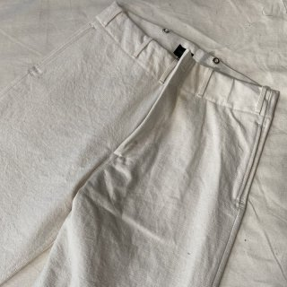 <img class='new_mark_img1' src='https://img.shop-pro.jp/img/new/icons6.gif' style='border:none;display:inline;margin:0px;padding:0px;width:auto;' />Vintage 1945 Jail Style Pants White