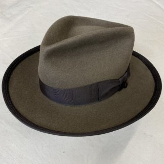 <img class='new_mark_img1' src='https://img.shop-pro.jp/img/new/icons6.gif' style='border:none;display:inline;margin:0px;padding:0px;width:auto;' />1940's Bugsy Hat (Khaki Gray/Beige)