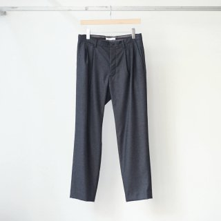 tilt The authentics - 2 Tuck tilt Dart Trousers