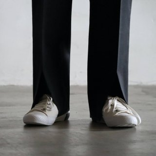 <img class='new_mark_img1' src='https://img.shop-pro.jp/img/new/icons54.gif' style='border:none;display:inline;margin:0px;padding:0px;width:auto;' />SOUMO - DVC SHOES (WHITE)