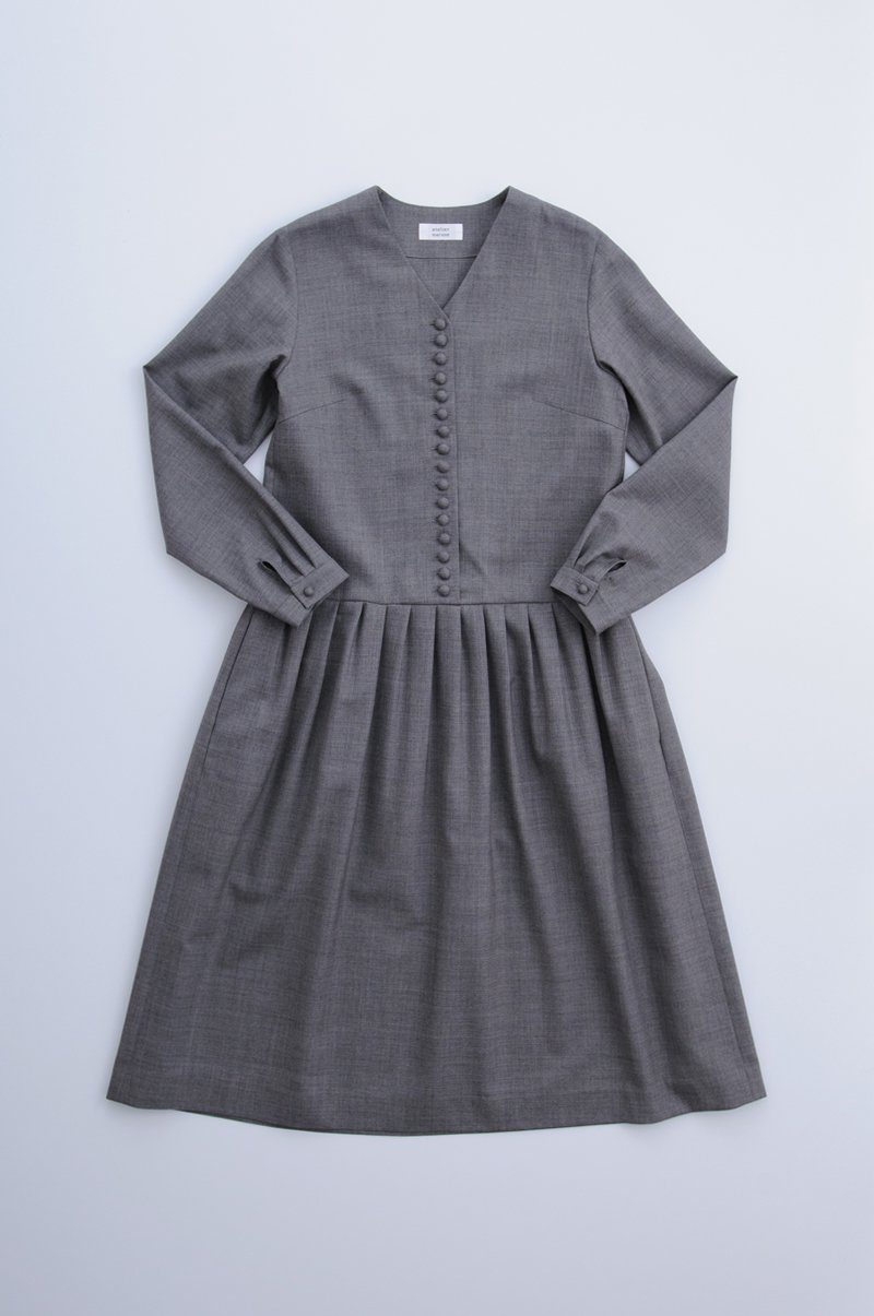 kurumi button formal one-piece / gray