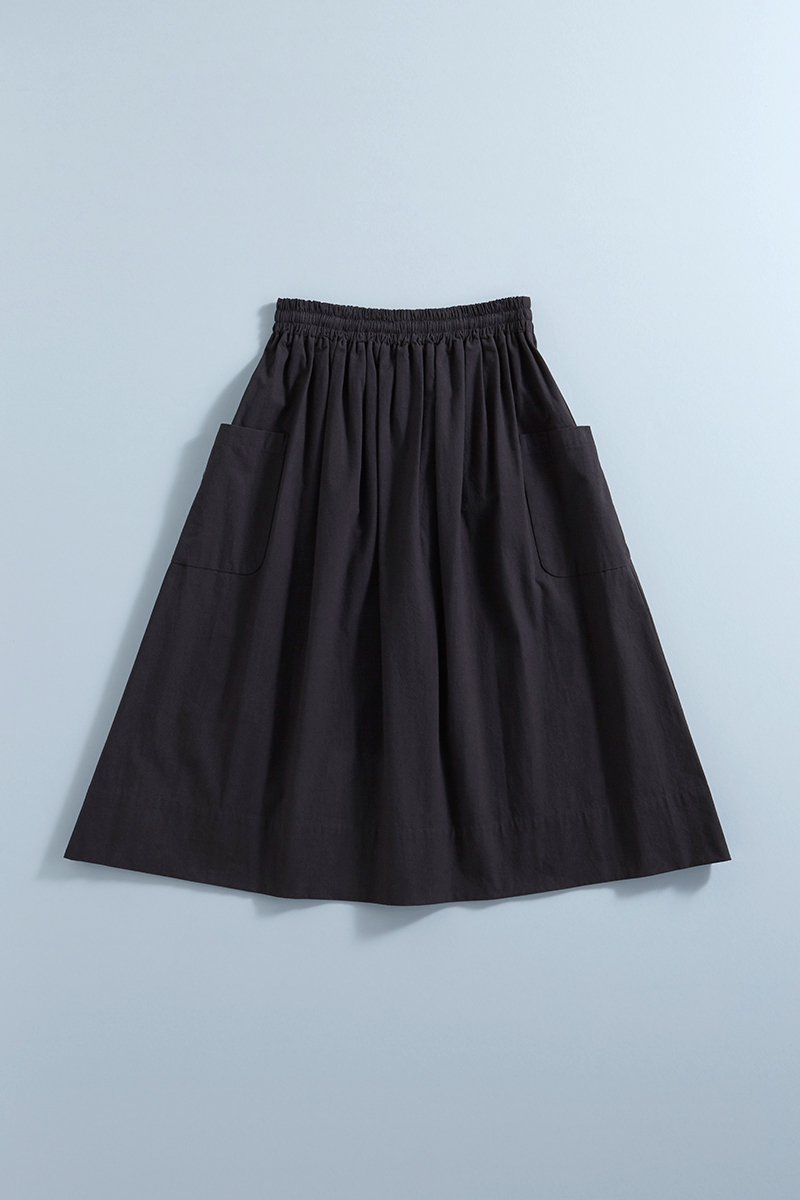 cotton patch pocket skirt / black