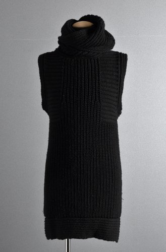 <img class='new_mark_img1' src='https://img.shop-pro.jp/img/new/icons1.gif' style='border:none;display:inline;margin:0px;padding:0px;width:auto;' />LEON LOUIS High Collar Sleeveless Knit BALCK レオンルイス