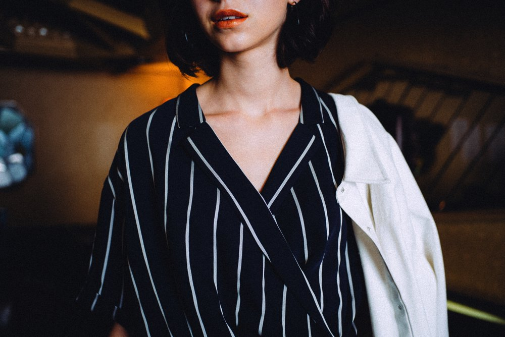 THE STRIPE RELAX SHIRT (NAVY)<img class='new_mark_img2' src='https://img.shop-pro.jp/img/new/icons21.gif' style='border:none;display:inline;margin:0px;padding:0px;width:auto;' />