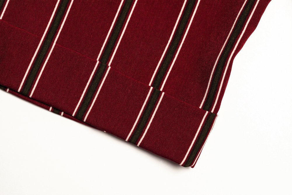 THE STRIPE RELAX SHIRT (WINE RED)<img class='new_mark_img2' src='https://img.shop-pro.jp/img/new/icons21.gif' style='border:none;display:inline;margin:0px;padding:0px;width:auto;' />