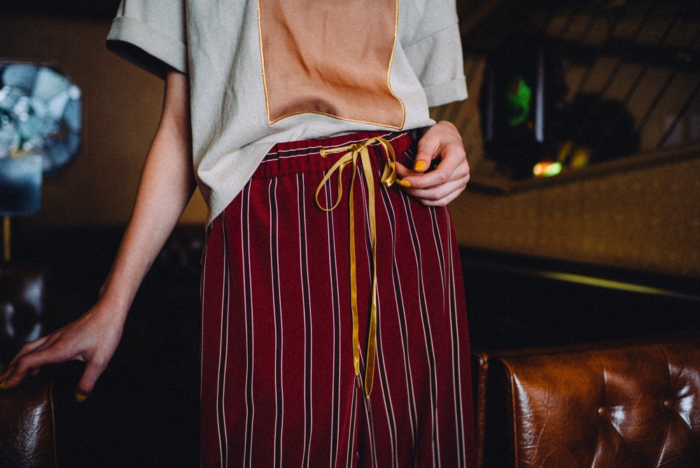 THE STRIPE EASY WIDE PANTS (NAVY)<img class='new_mark_img2' src='https://img.shop-pro.jp/img/new/icons21.gif' style='border:none;display:inline;margin:0px;padding:0px;width:auto;' />