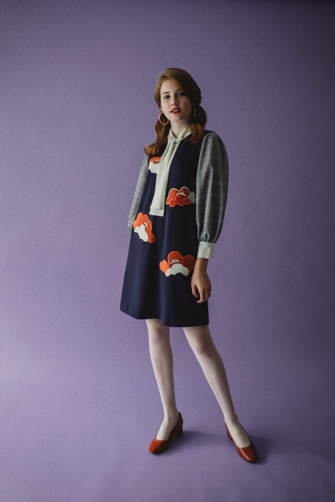 THE POPPY FLOWER EMBROIDERY DRESS<img class='new_mark_img2' src='https://img.shop-pro.jp/img/new/icons21.gif' style='border:none;display:inline;margin:0px;padding:0px;width:auto;' />