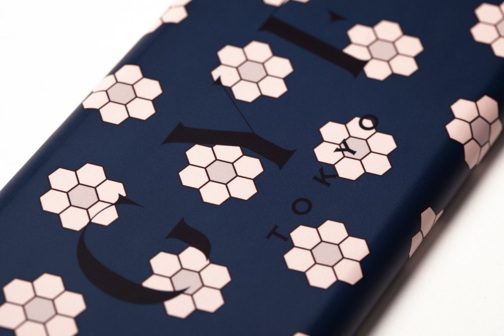 THE RETRO TILE MOTIF GYF LOGO IPHONE CASE<img class='new_mark_img2' src='https://img.shop-pro.jp/img/new/icons21.gif' style='border:none;display:inline;margin:0px;padding:0px;width:auto;' />