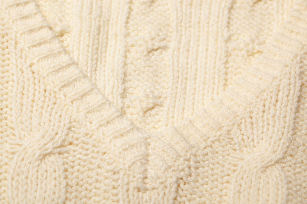 THE DOLMAN SLEEVE CABLE KNIT (WHITE)<img class='new_mark_img2' src='https://img.shop-pro.jp/img/new/icons21.gif' style='border:none;display:inline;margin:0px;padding:0px;width:auto;' />