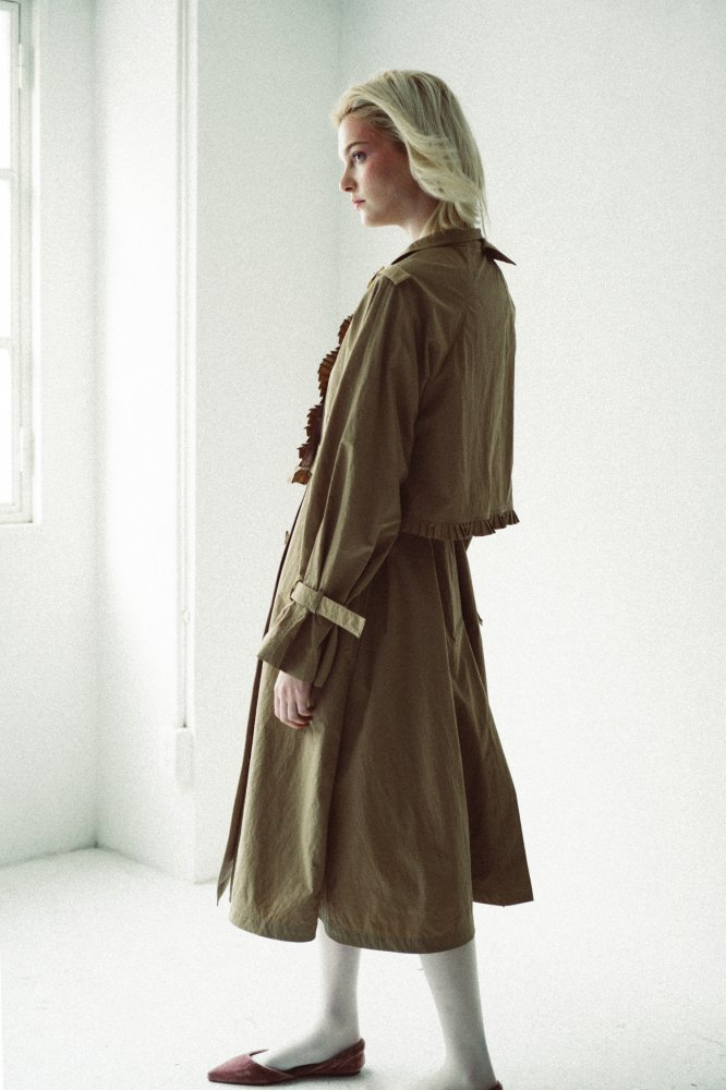 THE BICOLOR PETIT PLEATS TRENCH COAT<img class='new_mark_img2' src='https://img.shop-pro.jp/img/new/icons21.gif' style='border:none;display:inline;margin:0px;padding:0px;width:auto;' />