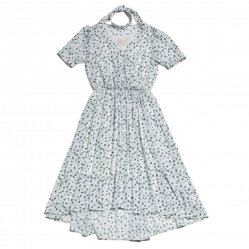 GYF TOKYO - THE PETIT FLOWER CROSSOVER DRESS WITH SCARF (WHITE)<img class='new_mark_img2' src='https://img.shop-pro.jp/img/new/icons21.gif' style='border:none;display:inline;margin:0px;padding:0px;width:auto;' />