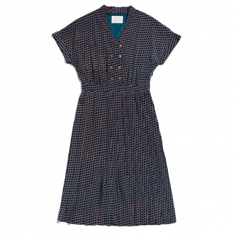 GYF TOKYO - THE SQUARE PATTERN PLEATED DRESS (BLUE)<img class='new_mark_img2' src='https://img.shop-pro.jp/img/new/icons21.gif' style='border:none;display:inline;margin:0px;padding:0px;width:auto;' />