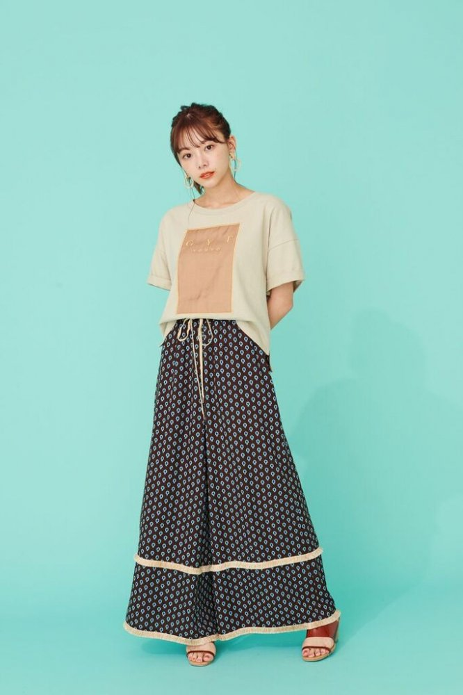 THE FRINGE WIDE PANTS<img class='new_mark_img2' src='https://img.shop-pro.jp/img/new/icons21.gif' style='border:none;display:inline;margin:0px;padding:0px;width:auto;' />