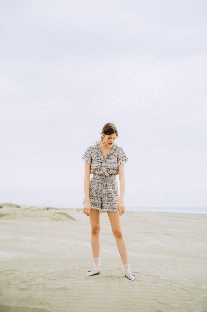 THE DOUBLE RIBBON TWEED ROMPERS<img class='new_mark_img2' src='https://img.shop-pro.jp/img/new/icons21.gif' style='border:none;display:inline;margin:0px;padding:0px;width:auto;' />