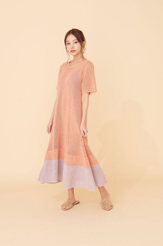 THE SUMMER KNIT RELAX BI-COLOR DRESS(PINK)<img class='new_mark_img2' src='https://img.shop-pro.jp/img/new/icons21.gif' style='border:none;display:inline;margin:0px;padding:0px;width:auto;' />