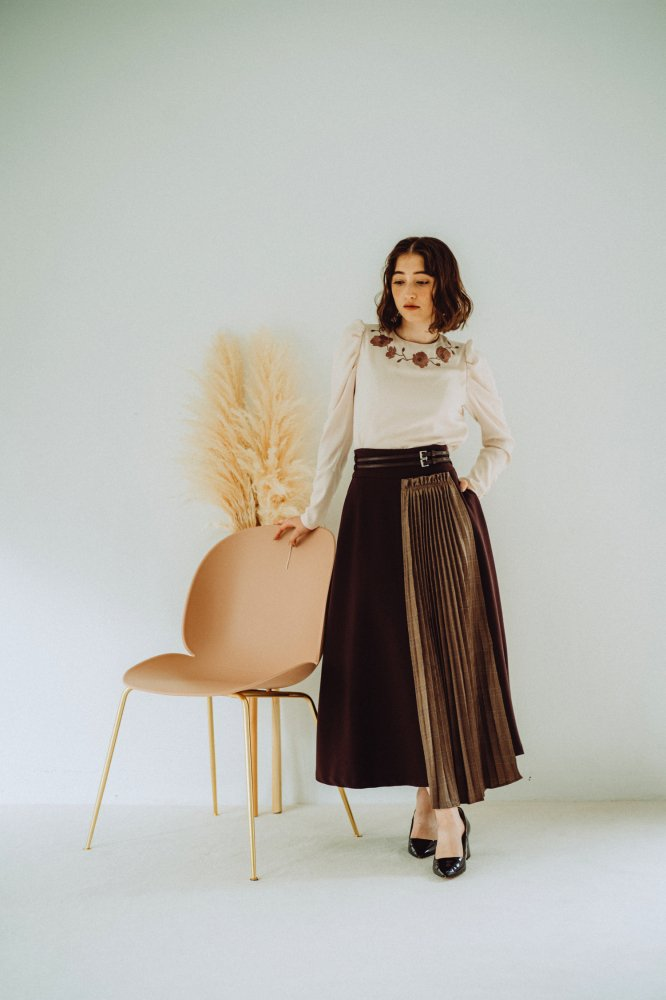 THE CHECK PLEATS DOCKING SKIRT WITH BELT<img class='new_mark_img2' src='https://img.shop-pro.jp/img/new/icons21.gif' style='border:none;display:inline;margin:0px;padding:0px;width:auto;' />