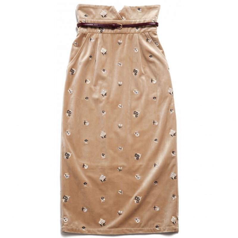 GYF TOKYO - THE HIGH-WAISTED SKIRT WITH BELT (BEIGE)<img class='new_mark_img2' src='https://img.shop-pro.jp/img/new/icons21.gif' style='border:none;display:inline;margin:0px;padding:0px;width:auto;' />