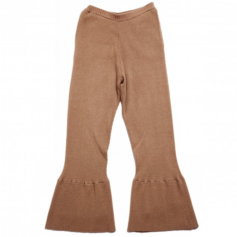 GYF TOKYO - THE RIBBED KNIT FLARED PANTS (BEIGE) <img class='new_mark_img2' src='https://img.shop-pro.jp/img/new/icons21.gif' style='border:none;display:inline;margin:0px;padding:0px;width:auto;' />