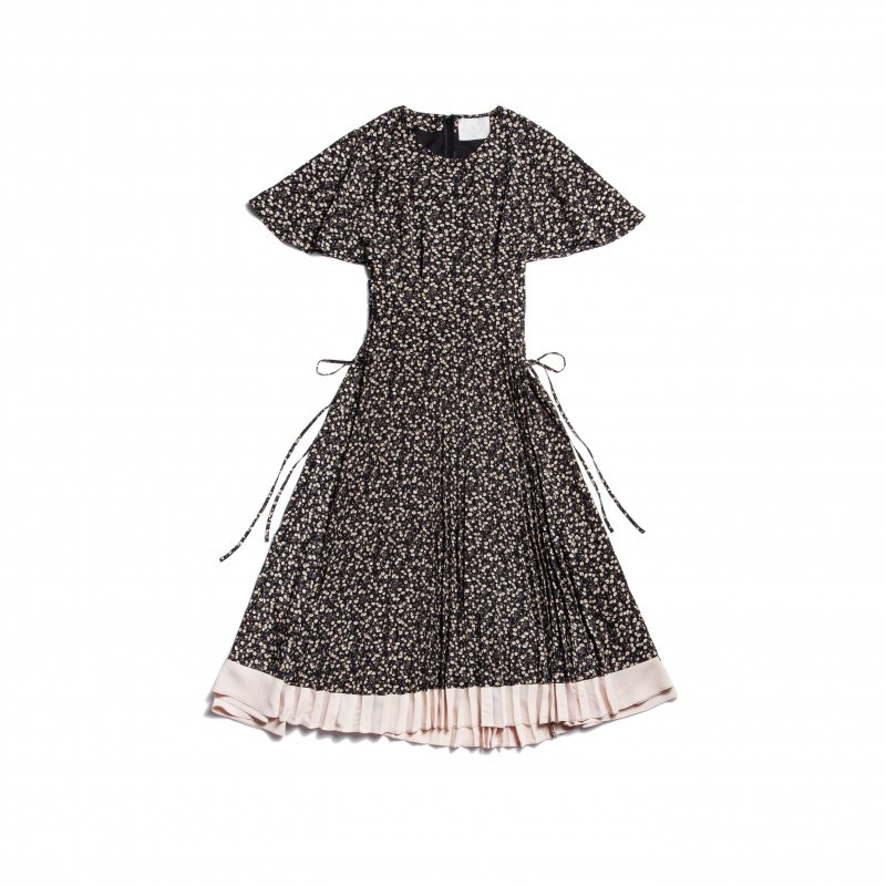 GYF TOKYO - THE FLOWER PATTERN SIDE LACE-UP DRESS(BLACK)<img class='new_mark_img2' src='https://img.shop-pro.jp/img/new/icons21.gif' style='border:none;display:inline;margin:0px;padding:0px;width:auto;' />