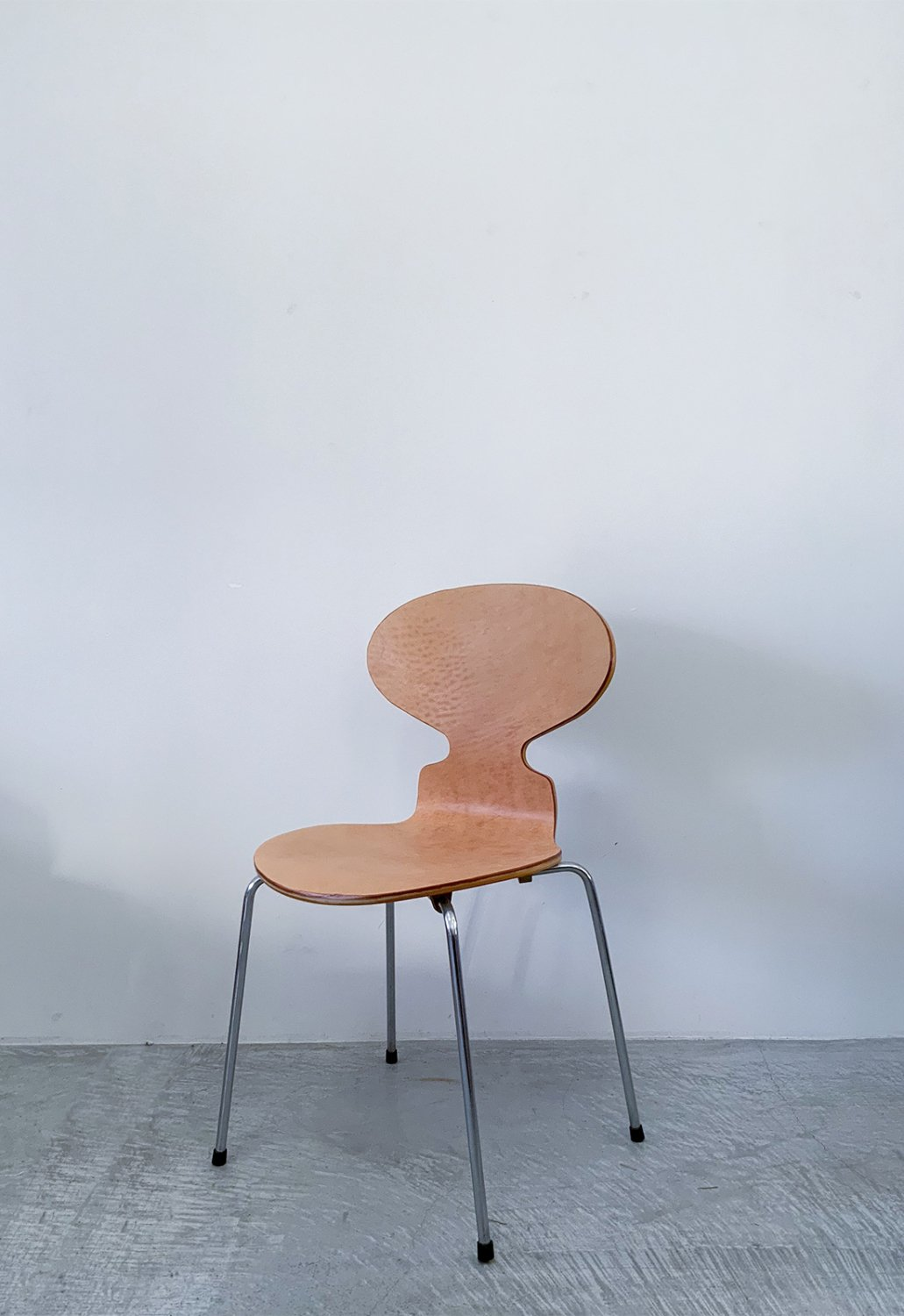 Aren Jacobsen -Ant chair (Chamel leather)