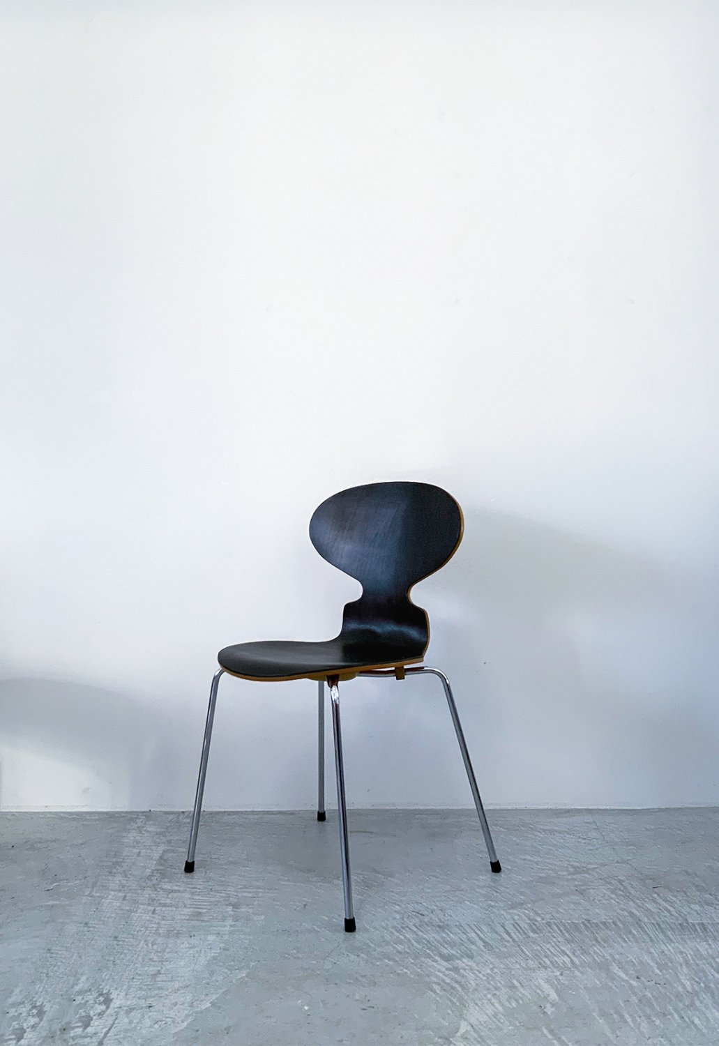 Aren Jacobsen -Ant chair (Black leather)