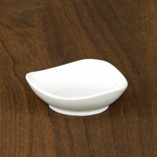 JAPONE ジャポーネ WHウェーブトライアングル皿 小 白い器 洋食器 アミューズ 業務用 約8.2cm