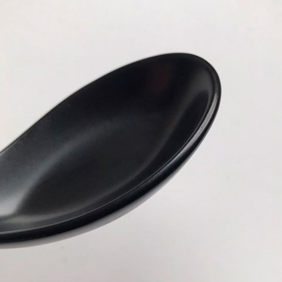 黒マット片掛レンゲ 中華食器 レンゲ 業務用 約14.5cm 磁器製 れんげ ラーメンレンゲ れんげスプーン さじ 鍋焼うどん おかゆ 雑炊 チャーハン リゾット 鍋料理