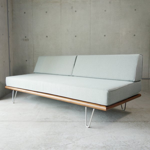 Daybed (2bolster/Hairpin Legs)