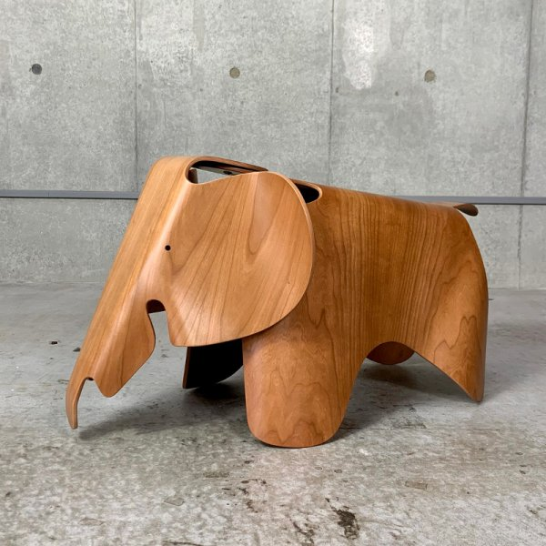 Eames Elephant (Plywood)<img class='new_mark_img2' src='https://img.shop-pro.jp/img/new/icons59.gif' style='border:none;display:inline;margin:0px;padding:0px;width:auto;' />