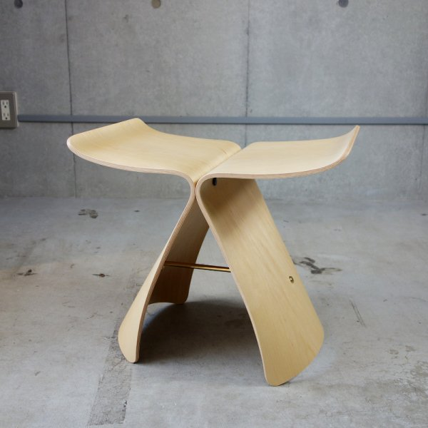 Butterfly Stool / Maple<img class='new_mark_img2' src='https://img.shop-pro.jp/img/new/icons26.gif' style='border:none;display:inline;margin:0px;padding:0px;width:auto;' />