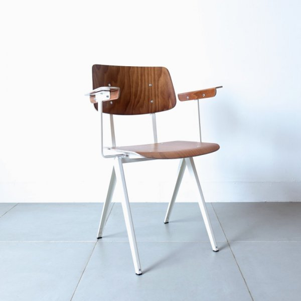 Model S.16 Arm Chair (ホワイト)