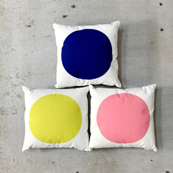 Graphic Print Pillows / Circle