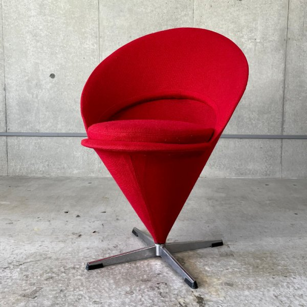 K1 Cone Chair / Vintage<img class='new_mark_img2' src='https://img.shop-pro.jp/img/new/icons5.gif' style='border:none;display:inline;margin:0px;padding:0px;width:auto;' />