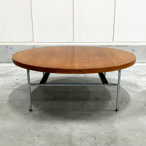 Round Coffee Table with Chrome Base #5756<img class='new_mark_img2' src='https://img.shop-pro.jp/img/new/icons5.gif' style='border:none;display:inline;margin:0px;padding:0px;width:auto;' />
