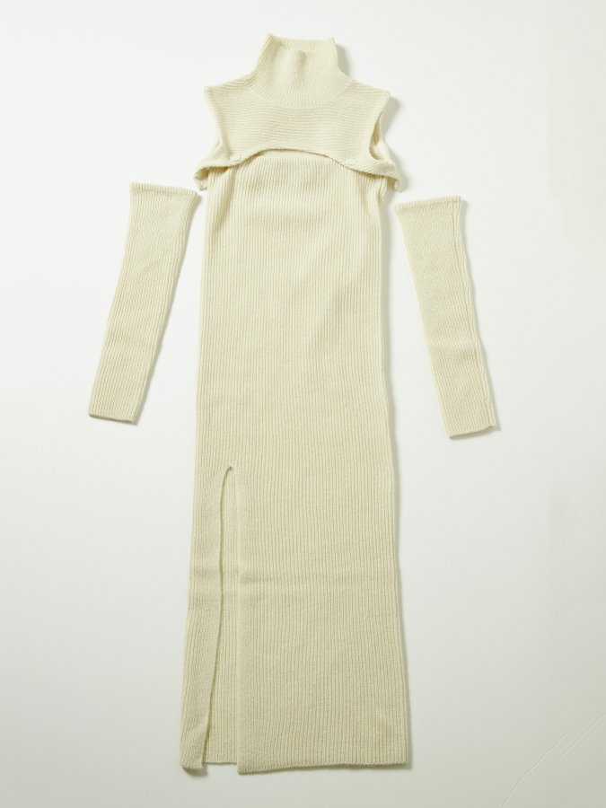 Arm-cover High Neck Knit Dress