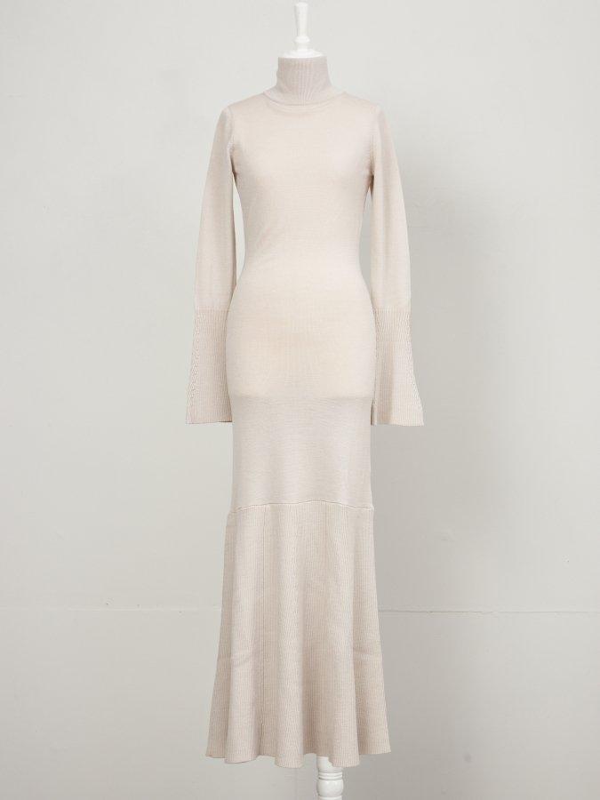Back Ribbon Knit Dress