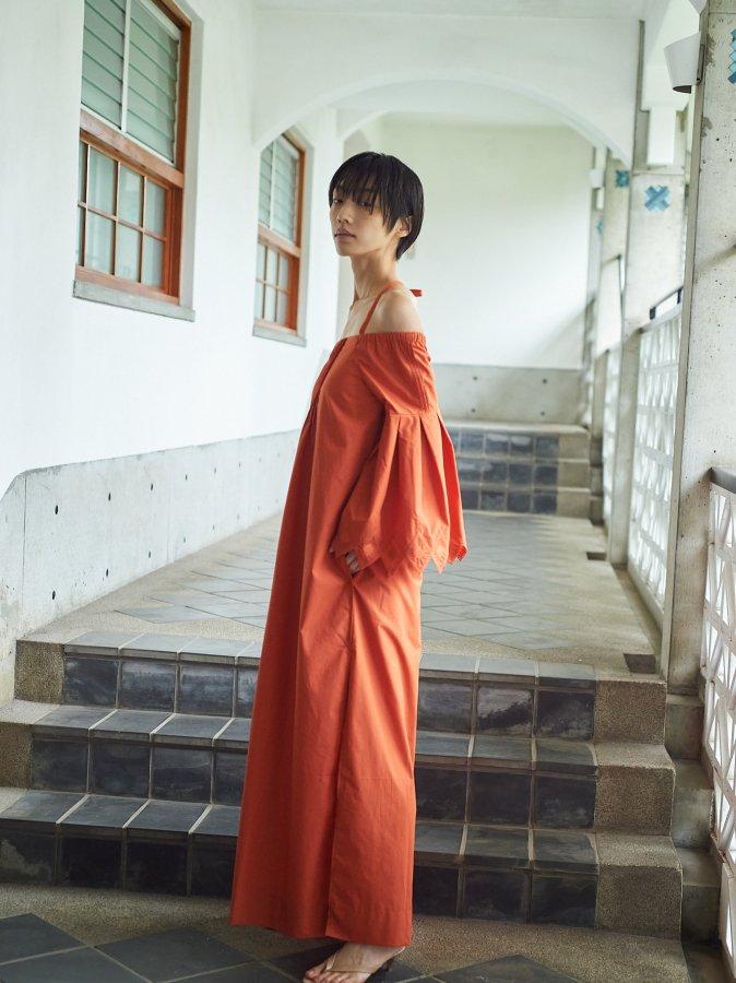 【Pre order】Cut-work Off-shoulder Dress
