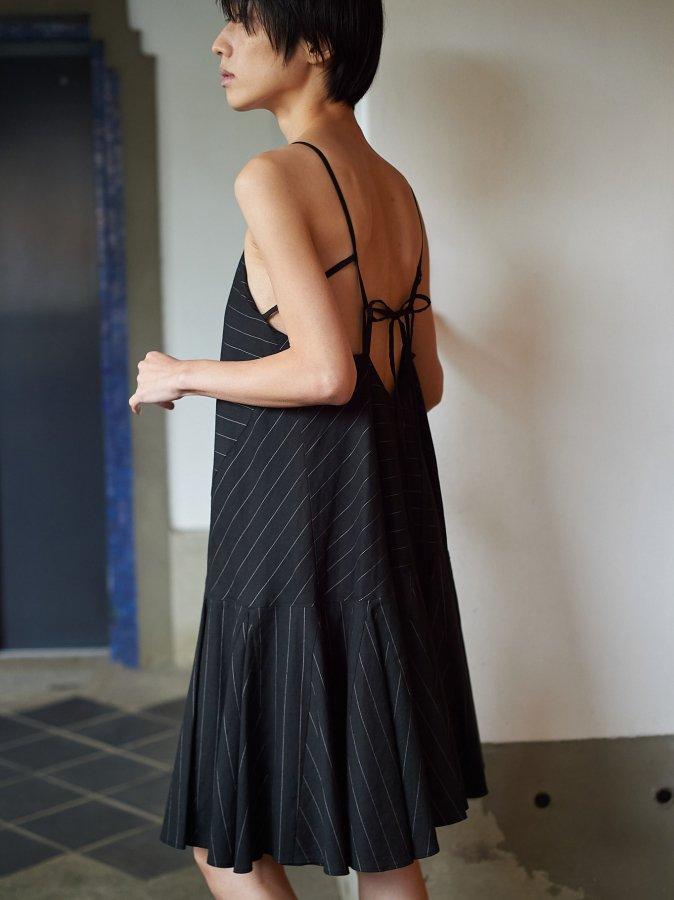 【Pre order】Back Open Stripe Dress