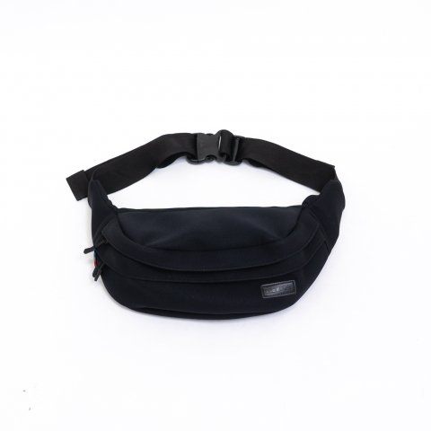 SINGAPORE FANNY PACK - Black