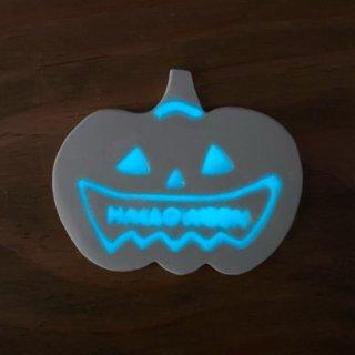 光る!ハロウィン蓄光タイル【オバケかぼちゃ(穴なし)】/おまけ蓄光タイル3ヶ/リース作りに!【*ご注文後に蓄光加工、1週間でお届け】