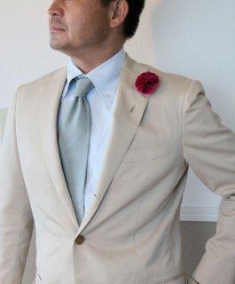 コサージュのつけ方・選び方 メンズスーツのおしゃれ、ラペルピンについて